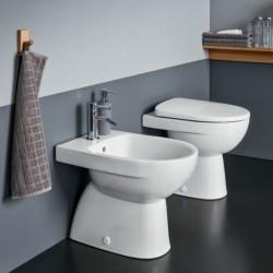 Sanitari a terra Pozzi Ginori Selnova 3 Pro in ceramica wc con scarico a parete + bidet e copriwc